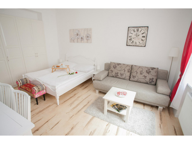 Beautiful Apartment Urban-Loritz-Platz Vienna