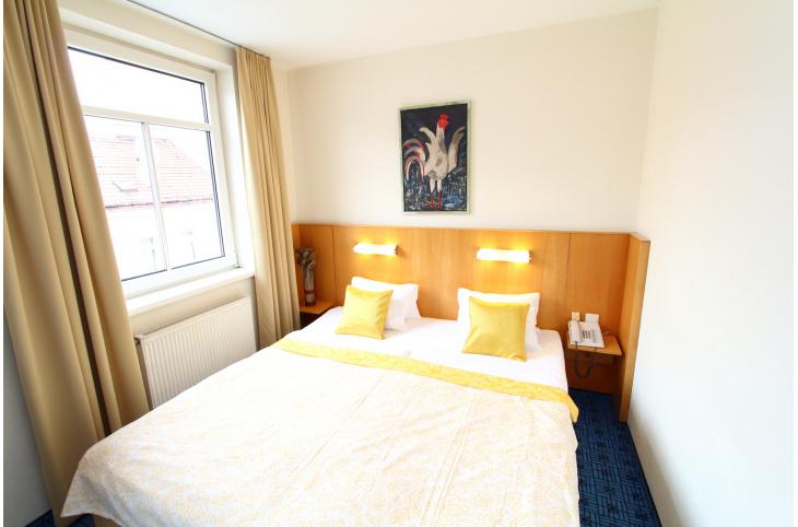 65750-double-bed | {U küchen mit bar 13}